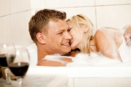 couple-in-bathcimagerymajectic69740a8qvc8fh1j